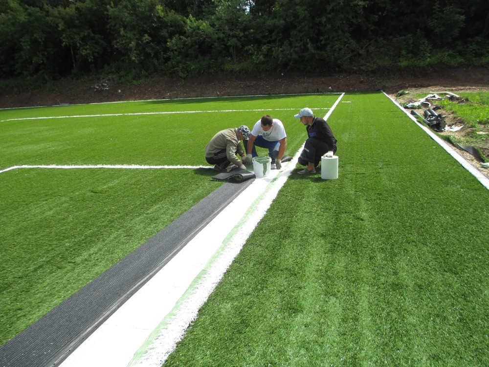 Строительство футбольного поля с натуральным газоном 8
