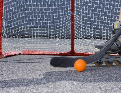 Роллеркей (хоккей на роликах)